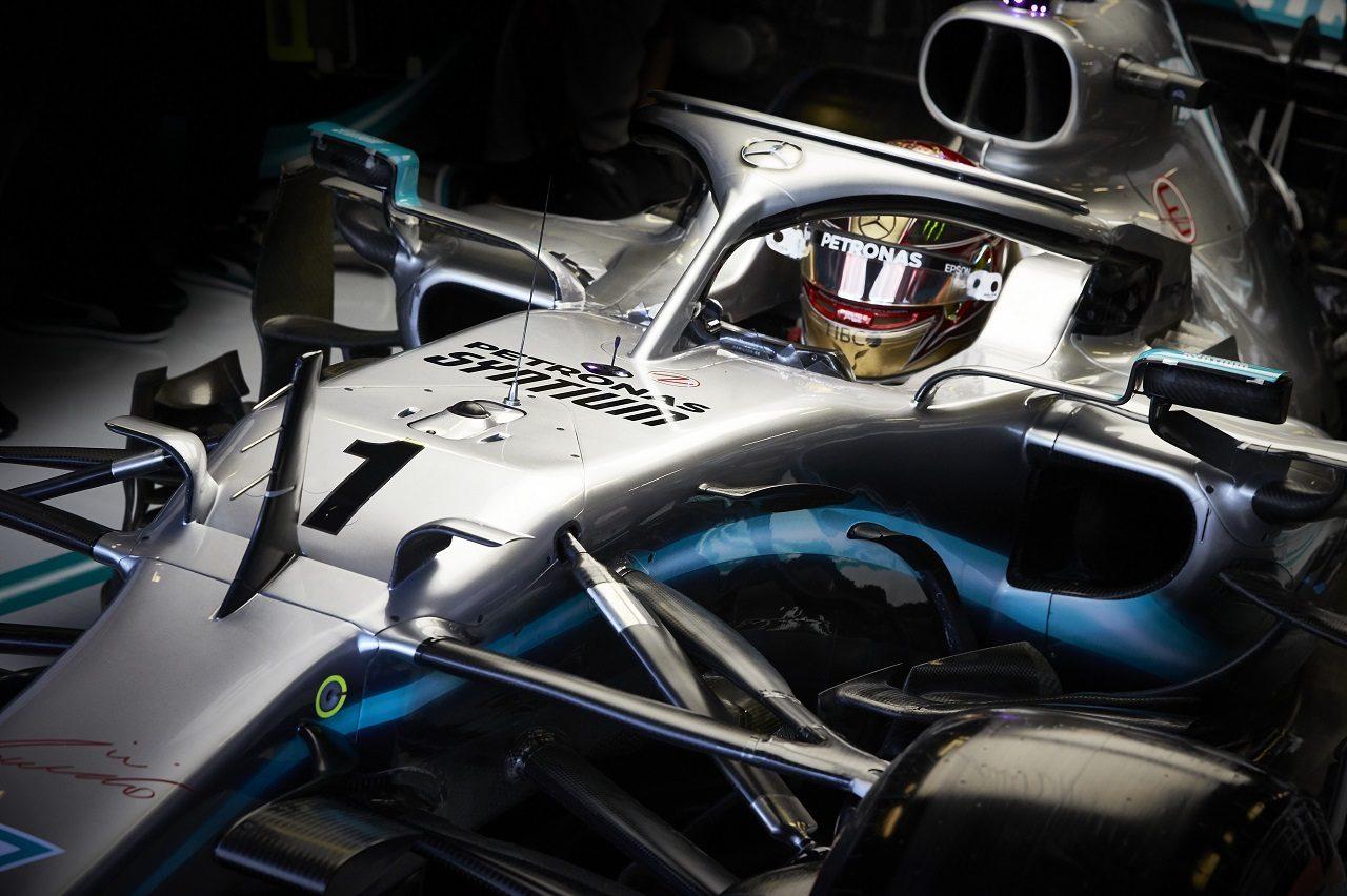 2019年F1第21戦アブダビGP 金曜FP1でカーナンバー1をつけて走行したルイス・ハミルトン(メルセデス)