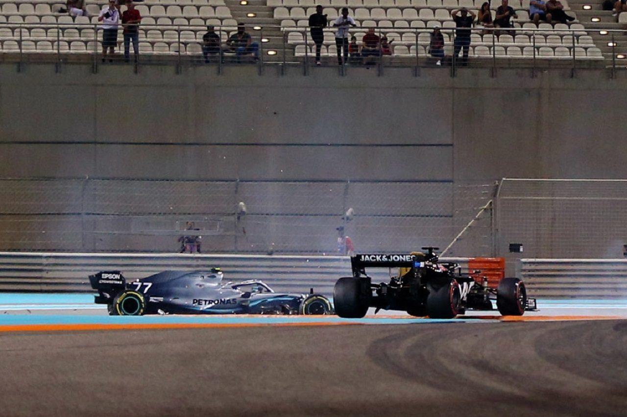 2019年F1第21戦アブダビGP FP2でバルテリ・ボッタス(メルセデス)とロマン・グロージャン(ハース)が接触