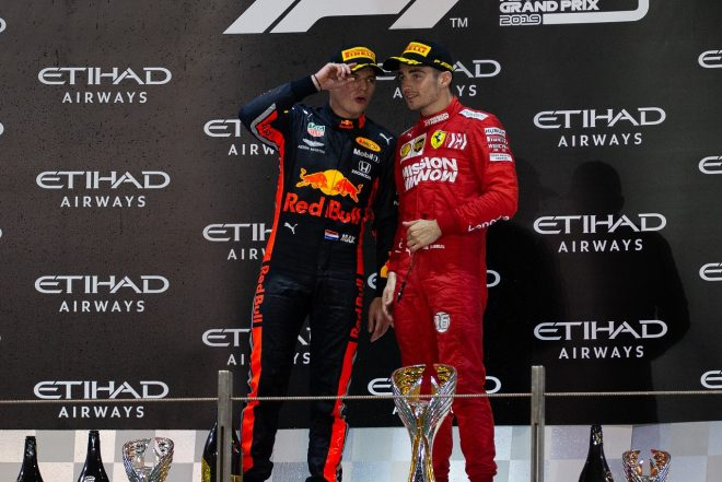2019年F1第21戦アブダビGP 3位のシャルル・ルクレール(フェラーリ)と2位のマックス・フェルスタッペン(レッドブル・ホンダ)