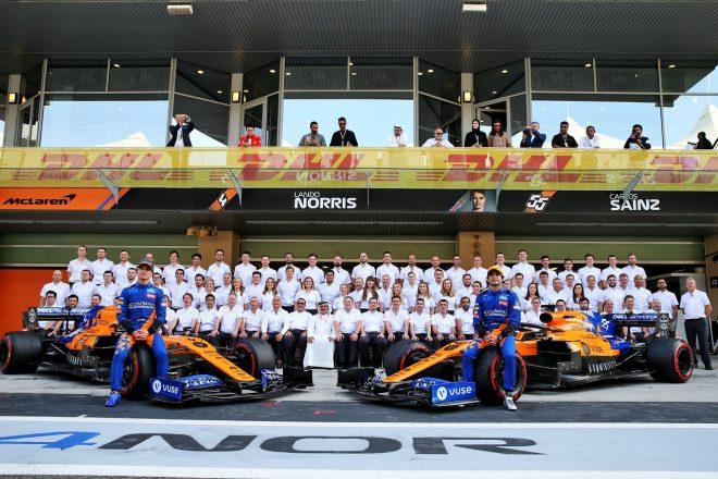 2019年F1第21戦アブダビGP マクラーレンチームが記念撮影