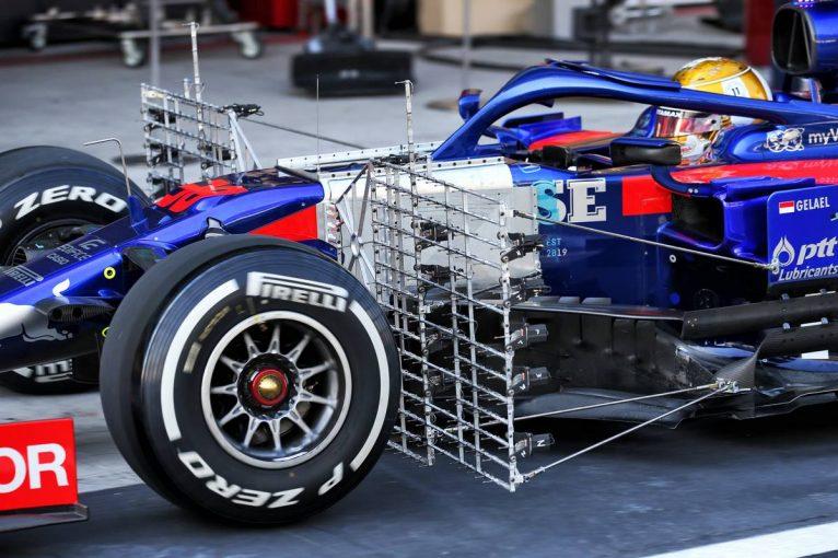 F1 | F1 Topic:アブダビテストで決まる2020年タイヤの行方