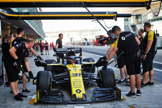 F1アブダビテストにエステバン・オコン(ルノー)が参加