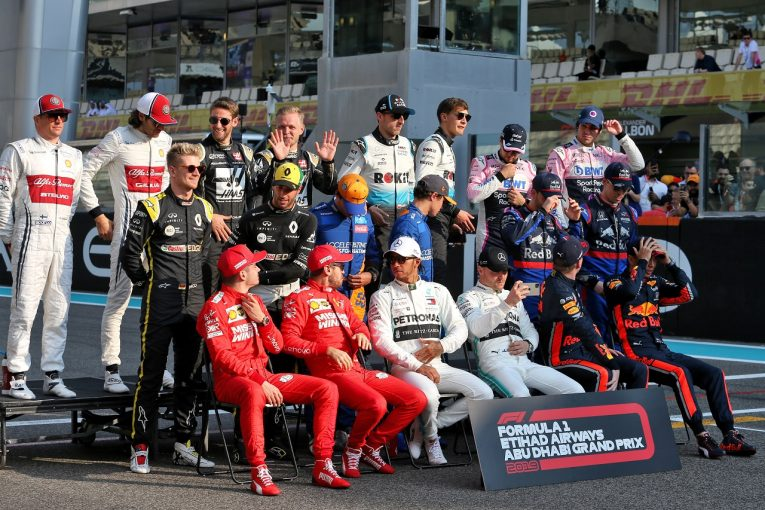 F1 | SNS特集F1アブダビGP:最終戦を終え休暇に入るドライバーたち。フェルスタッペンから「メリー・クリスマス」