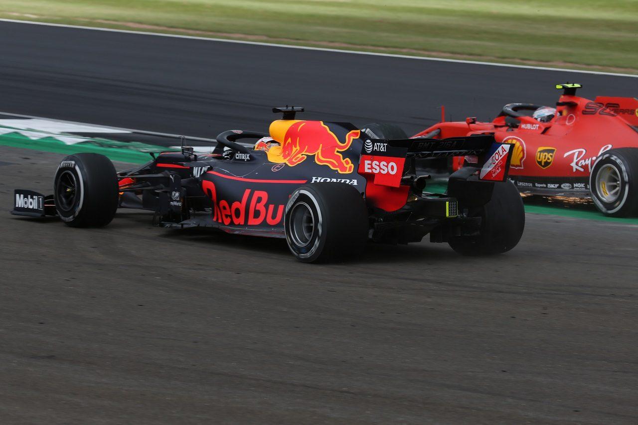 2019年F1第10戦イギリスGP マックス・フェルスタッペン(レッドブル・ホンダ)とシャルル・ルクレール(フェラーリ)