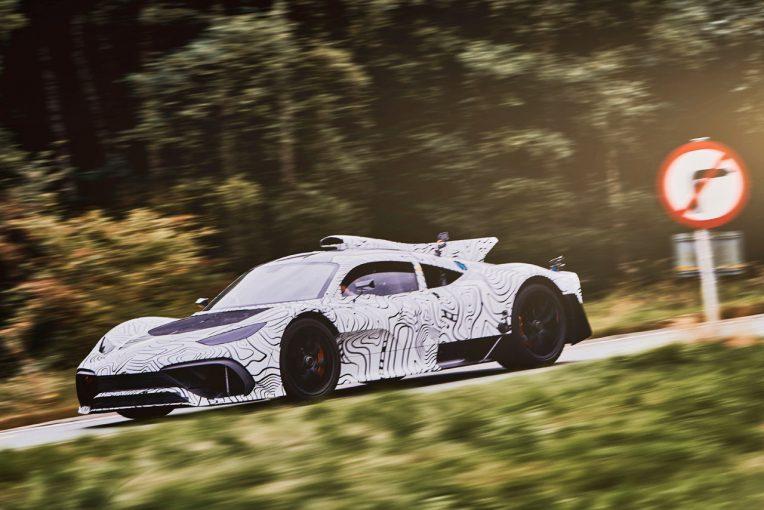 F1 | 【動画】F1王者ハミルトン、メルセデスAMG製ハイパーカーと初対面「レースカーと同じ音」