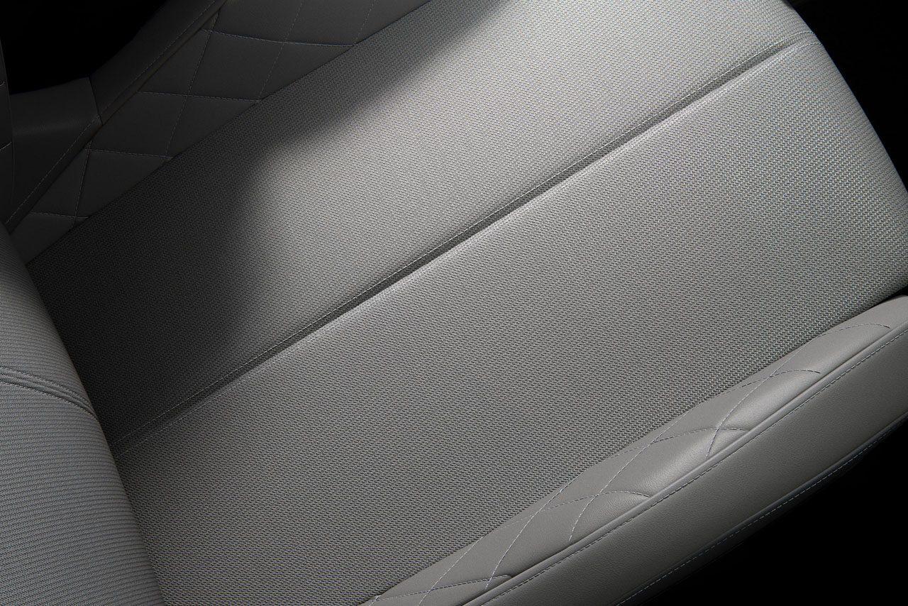 DSオートモビル、DS3クロスバックにオフホワイト基調の『RIVOLI』40台限定発売