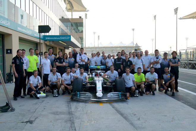 メルセデスのマシンで18インチF1タイヤのテストを行ったジョージ・ラッセル