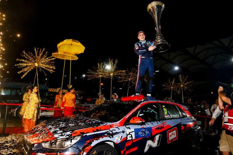 海外レース他 | WTCRセパン:ヒュンダイのミケリスが2019年王座獲得。スポット参戦オリベイラはレース1で5位入賞