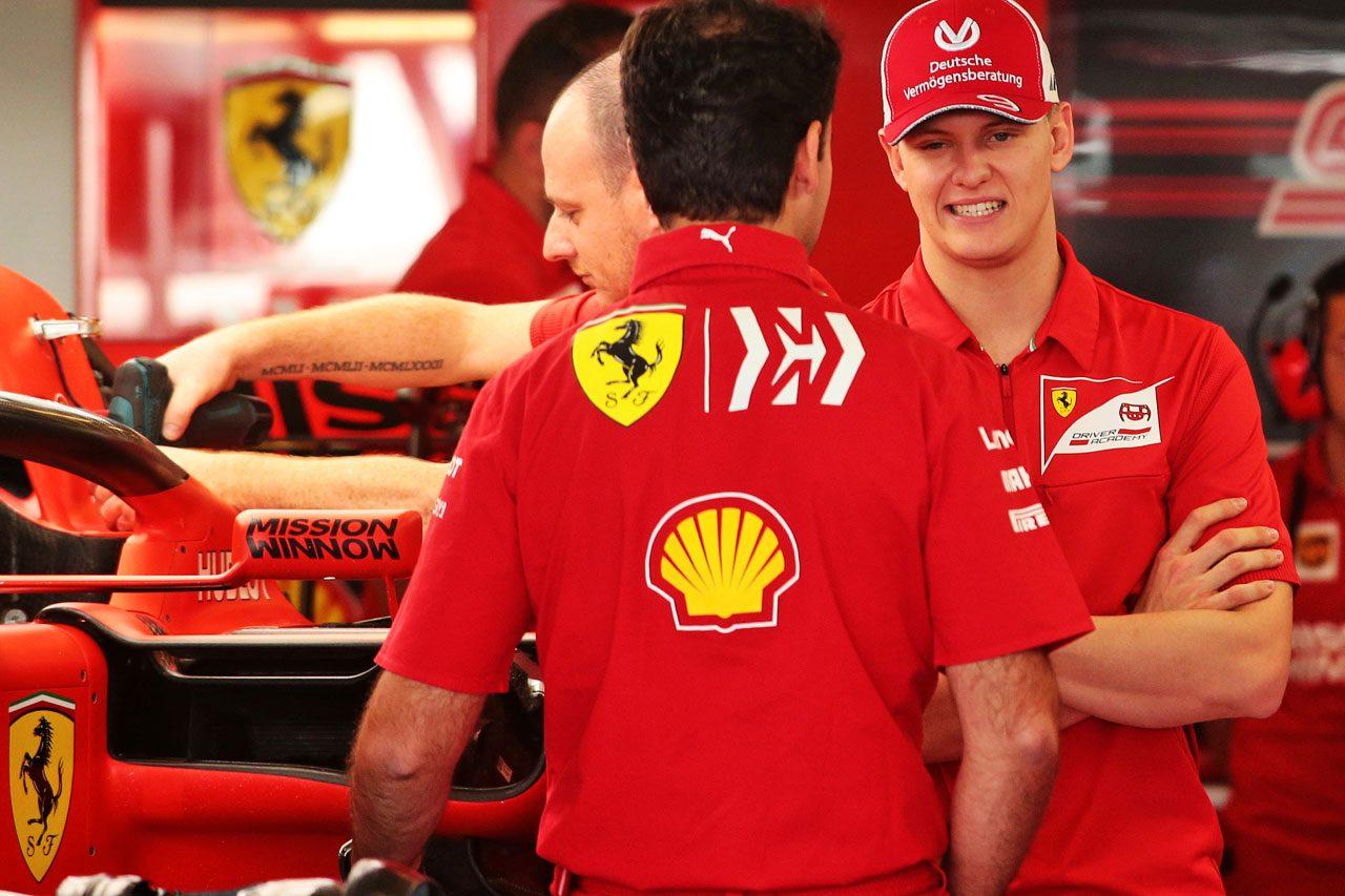 2019年F1アブダビGP フェラーリのガレージを訪れたミック・シューマッハー