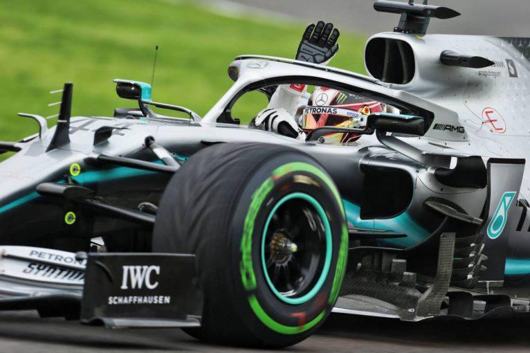 F1 | 元F1ドライバーのベルガー、ハミルトンにフェラーリ移籍を勧めるも「今は良いタイミングではない」