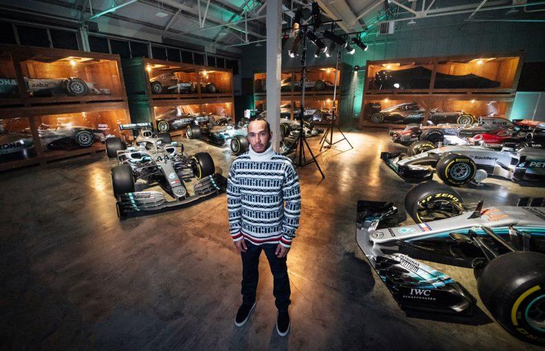 F1 | 【動画】マクラーレンMP4-23からメルセデスW10まで。F1王者ハミルトン、6台のタイトル獲得マシンと再会