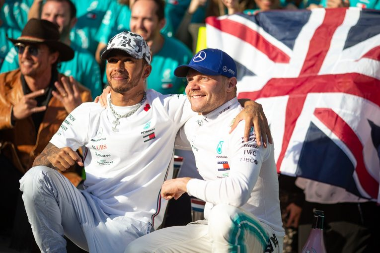 F1 | ハミルトンの7度目のタイトル獲得を支援するメルセデスF1、チームオーダーなしのポリシーは2020年も維持