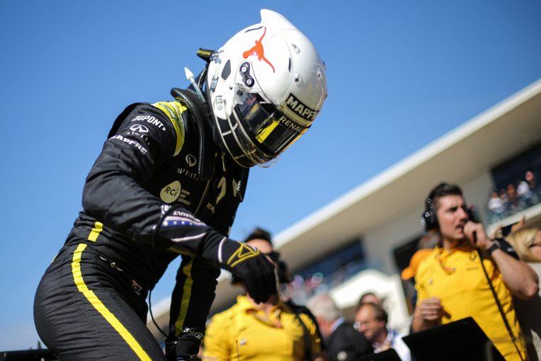 F1 | リカルド、オーストラリア森林火災の被災者を支援。寄付金集めのためサイン入りレーシングスーツを提供