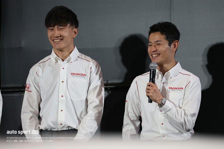 スーパーGT | 「年下と組むのは初めて」注目の山本&牧野GT500コンビ。ホンダ陣営が新趣向のファンミーティングに登壇