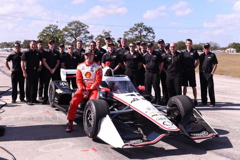 海外レース他   オーストラリアスーパーカー王者がインディカーをテストドライブ「首がねじ切れそう」