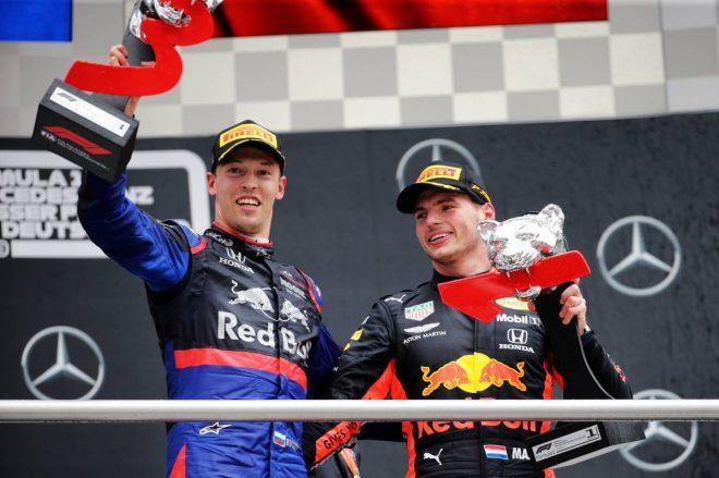 2019年F1第11戦ドイツGP、雨で大荒れのレースを制したマックス・フェルスタッペンと3位表彰台に上がったダニール・クビアト