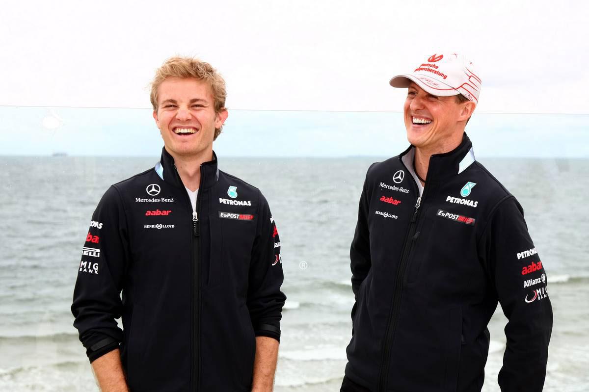 2011年F1開幕戦オーストラリアGP ニコ・ロズベルグ&ミハエル・シューマッハー
