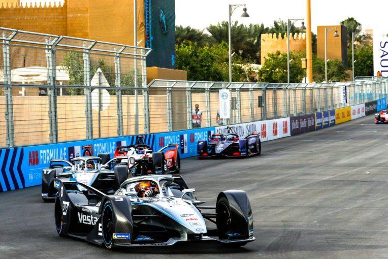 F1 | メルセデスボス、フォーミュラEをエンジョイ「F1とは全く違う。ビデオゲームに本物のドライバーが入りこんだよう」