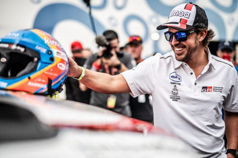 クルマ | 【動画】アロンソがGRヤリスをインプレッション。F1王者も驚いたブレーキング性能