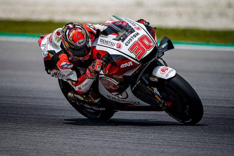 MotoGP   セパンテスト初日、中上が右肩手術後、約4カ月ぶりにMotoGPマシンで走行。状態は「60パーセント以下」