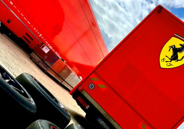 F1   フェラーリF1が18インチタイヤの開発テストをスタート。ルクレールがプロトタイプカーで周回