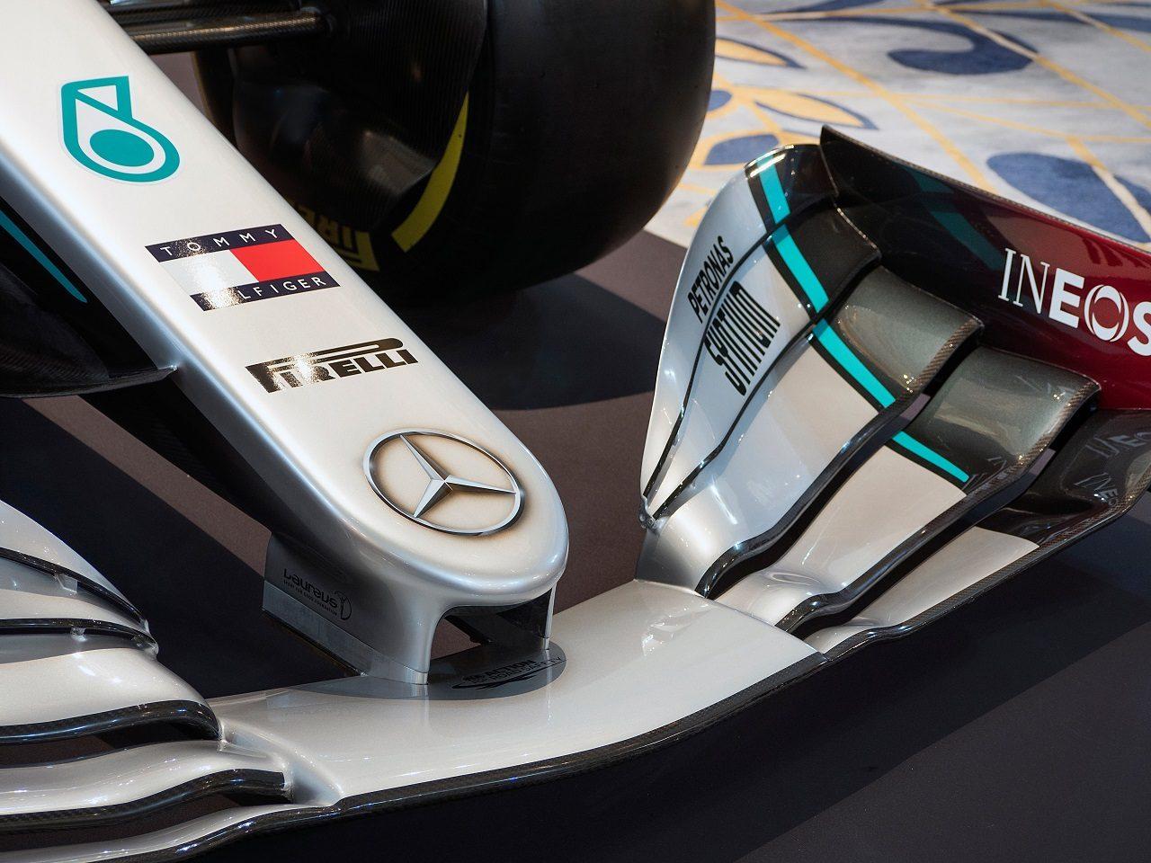 メルセデスが2020年型『W11』のカラーリングを発表