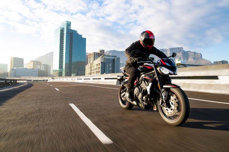 MotoGP | トライアンフ、2020年モデルの新型ストリートトリプルR Lowが2020年春に発売。排ガス規制『ユーロ5』に対応