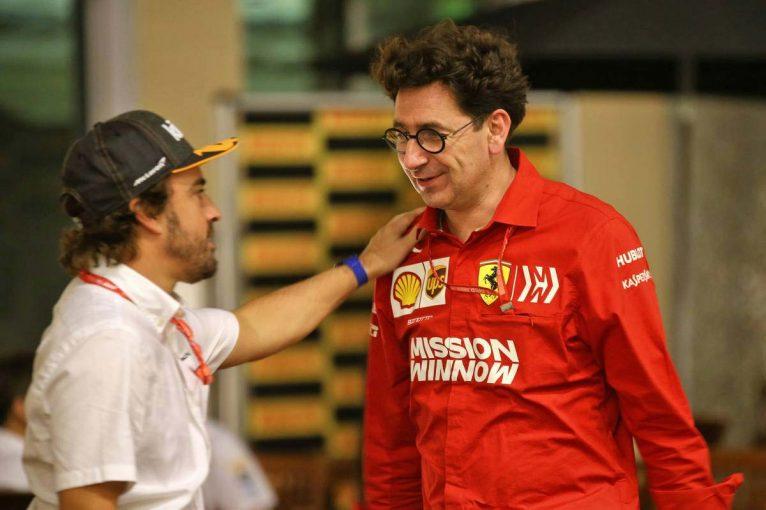 F1 | グランプリのうわさ話:F1トップチームから門戸を閉ざされ、いら立ちを募らせるアロンソ
