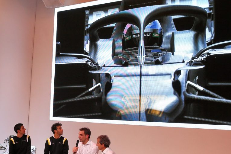 F1 | 新車なき発表会を行ったルノーF1「実物でないショーカーを披露したくはなかった」開発の遅れは否定