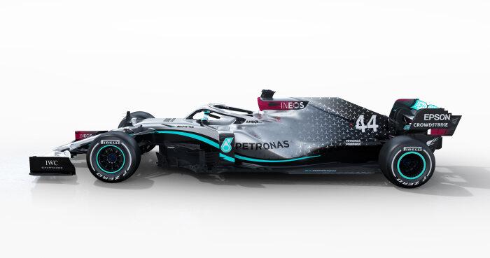 F1 | メルセデスF1が『W11』の実車を初披露。ハミルトンはシューマッハーに並ぶ7度目の戴冠なるか