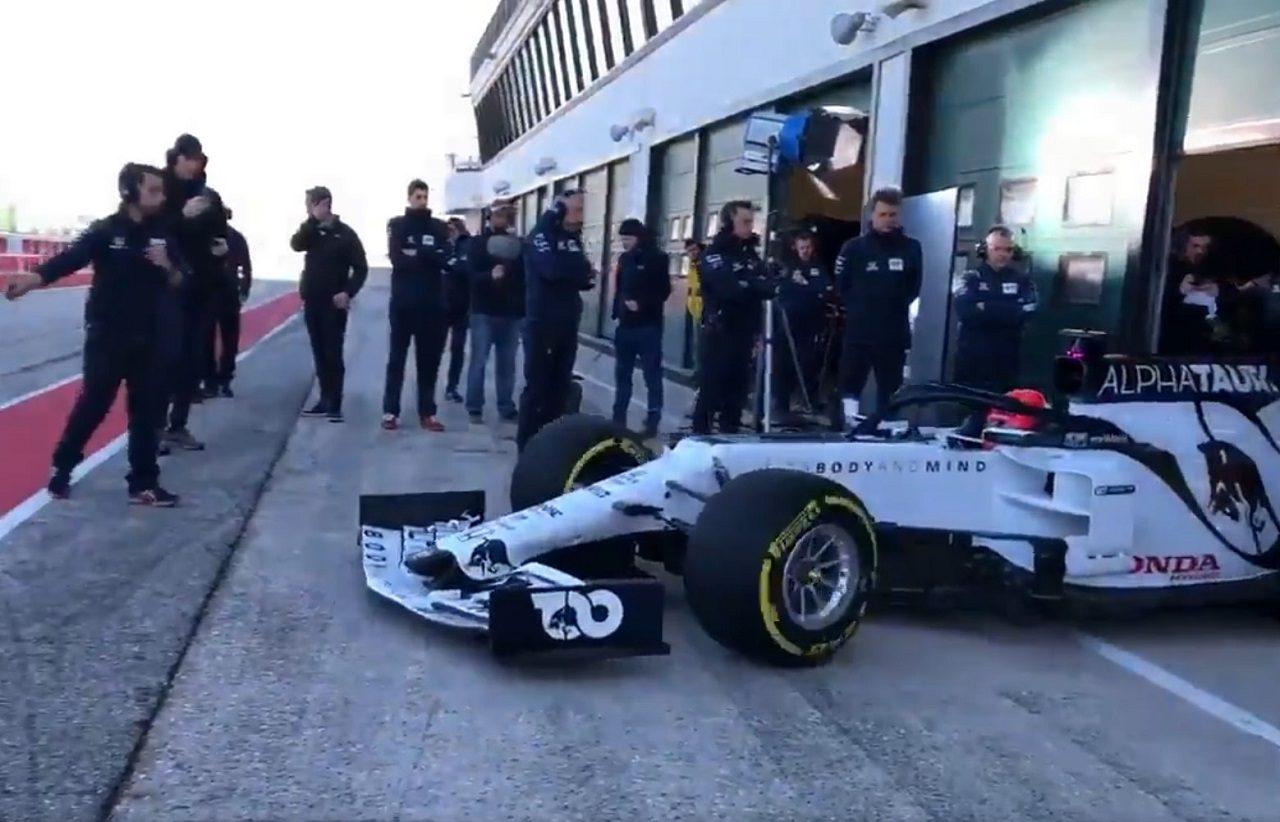アルファタウリが2020年型F1マシン『AT01・ホンダ』をシェイクダウン
