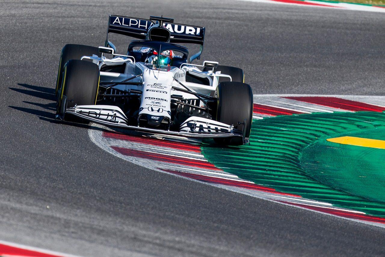 アルファタウリ・ホンダの2020年型F1マシン『AT01』で初走行を行うピエール・ガスリー