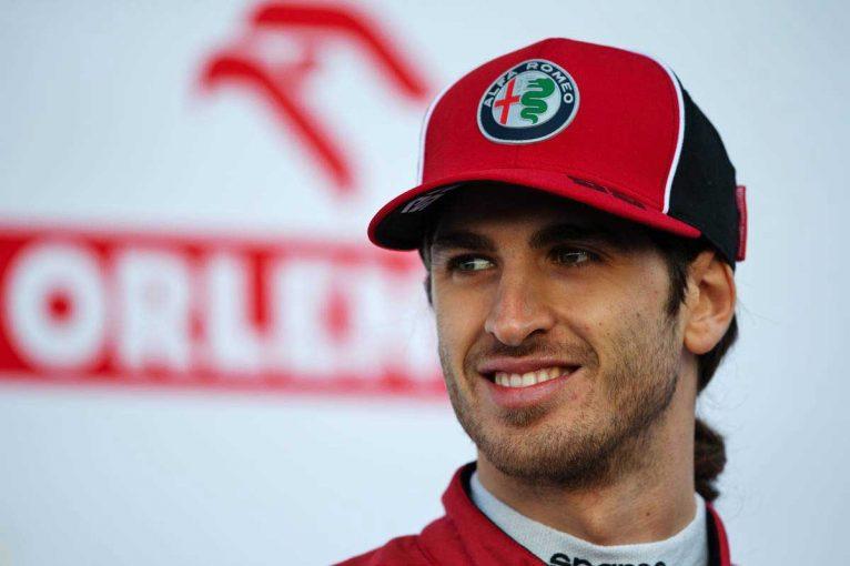 F1 | フェラーリF1のサインツJr.起用に対し「私だったらジョビナッツィに機会を与えた」と元チームオーナー