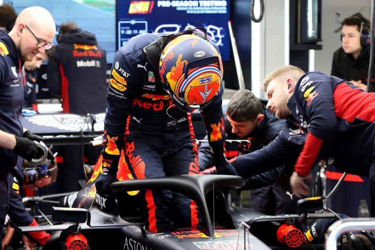 F1   レッドブル・ホンダF1のアルボンがRB16で初走行「強力なマシンだと感じた」