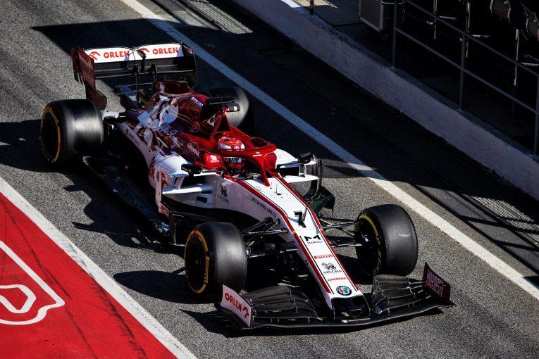 F1 | ライコネンが最速も今年初の赤旗もたらす。メルセデスが革新的ステアリングシステム『DAS』を投入/F1バルセロナテスト2日目