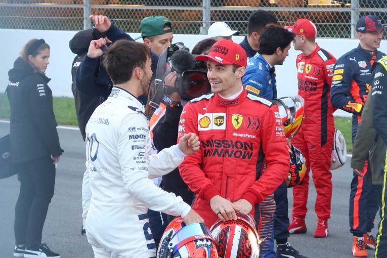Blog | 【ブログ】相変わらずの仲を見せたふたりと孤高のキミ様/2020年F1バルセロナテスト現地情報(1)