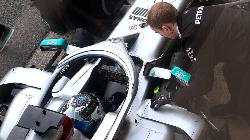 F1   F1 Topic:『DAS』のメリットを考察。レーキ角の小さいメルセデスW11の弱点を補えるか