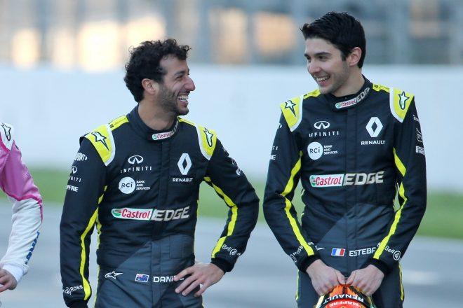 ルノーF1のダニエル・リカルドとエステバン・オコン