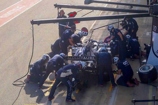 アルファタウリ・ホンダは第2回プレシーズンテスト2日目にレースシミュレーションを実施。実戦を想定したピット作業も行われた