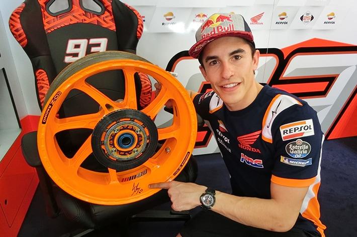 MotoGP | ホンダ・レーシング、マルケスが駆った2018年RC213Vの実物ホイールオブジェを販売