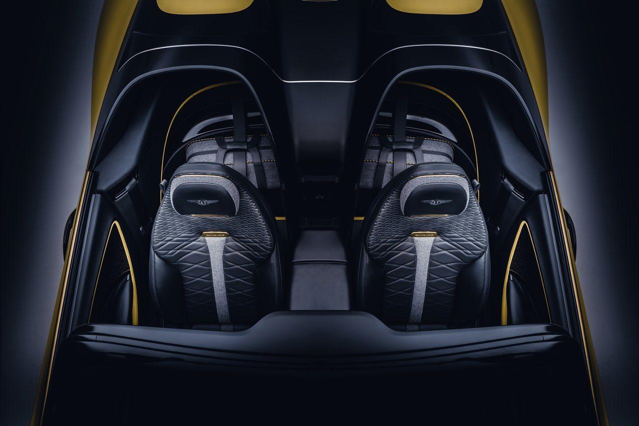 ベントレー、12台限定の特注オープン2シーター『バカラル』初公開。100周年モデルのDNAを踏襲