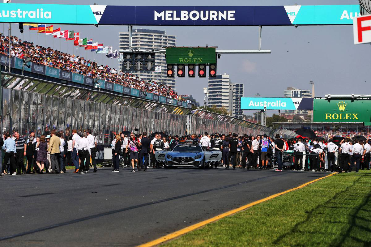 2019年F1開幕戦オーストラリアGP スターティンググリッドの様子