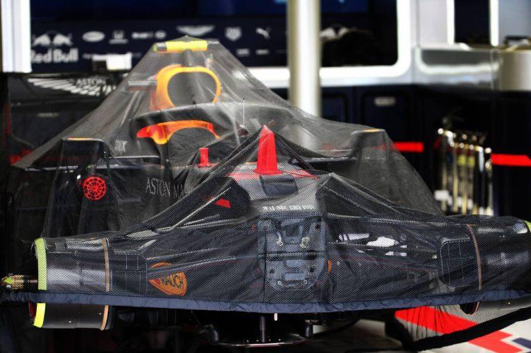 F1 | F1オーストラリアGP開催中止に伴い、金曜日に撤収作業。会場へ詰めかけたファンも落胆