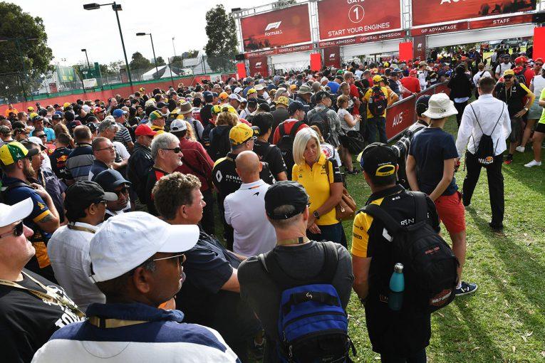 F1 | 中止予想は本当に不可能だったのか。あまりに楽観的すぎた強行開催の姿勢が最悪の結末に/F1オーストラリアGP
