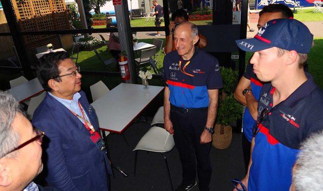 2019年のF1第1戦オーストラリアGPを訪れたホンダ八郷隆弘社長