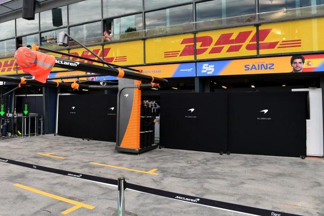2020年F1第1戦オーストラリアGP金曜 グランプリ欠場を決めた後のマクラーレンのガレージ