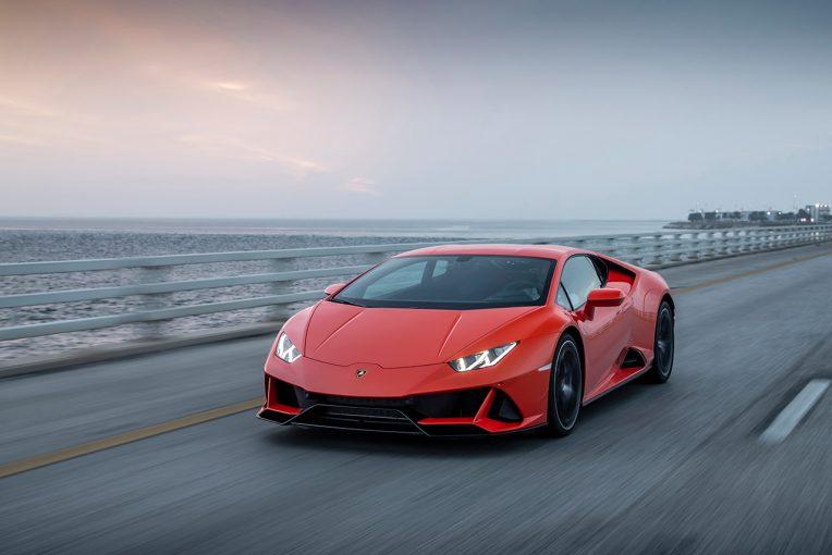 クルマ | 見た目も走りも超絶スーパー、3000万円超の絶対的な価値。ランボルギーニ・ウラカンEVO/最新スーパースポーツカー試乗レポート