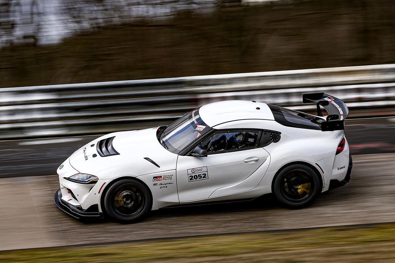 トーヨー×NOVEL Racingのニュルへの挑戦始まる。VLN公式テストで2台が走行