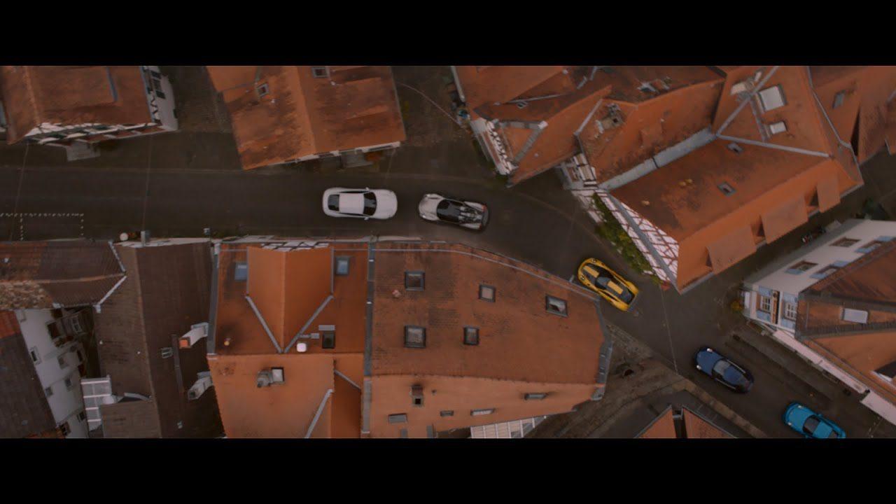 【動画】クルマ泥棒を追いかけ、ポルシェの名車たちがカーチェイス!