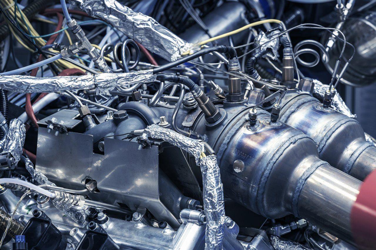 アストンマーティン、自社設計のV6ターボエンジン『TM01』を初公開。ヴァルハラから採用へ
